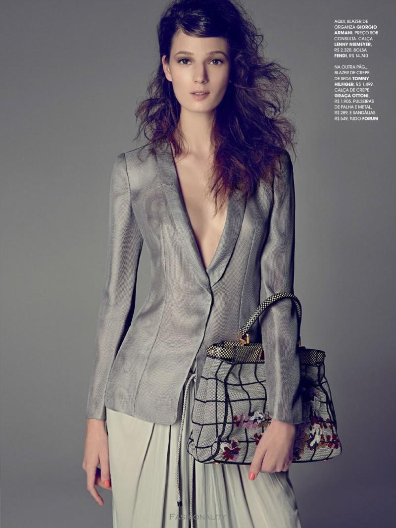 """西裝投資 """"Invista No Blazer"""" Debora Muller 《Marie Claire》巴西版2013年8月刊时尚大片"""