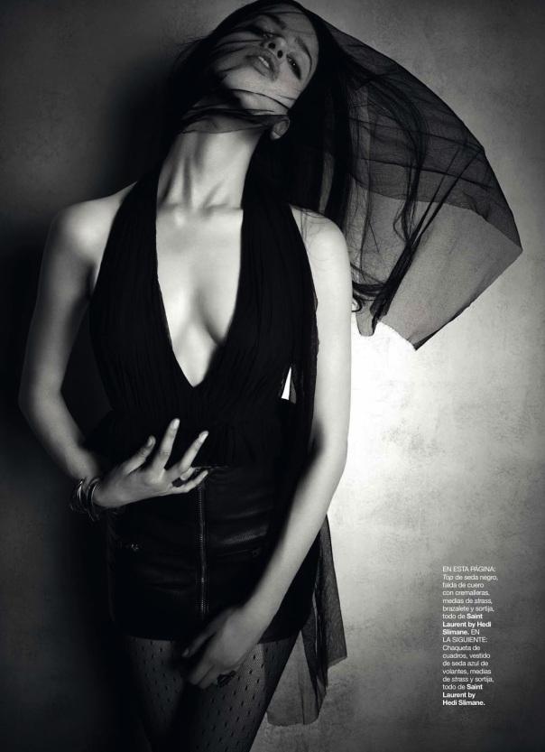Lily Mcmenamy for 《Harper's Bazaar》西班牙版2013年9月刊时尚大片