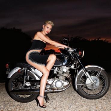 Miley Cyrus 《Harper's Bazaar》9月刊时尚大片